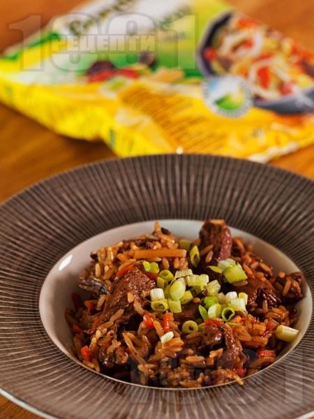 Задушени телешки жулиени с ориз, соев сос, мед и канела на тиган - снимка на рецептата